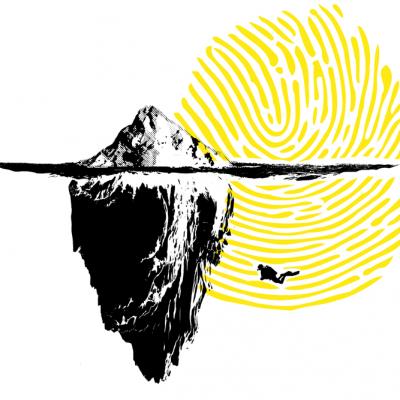 Eisberg mit Taucher unter der Wasseroberfläche